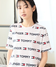 tシャツ Tシャツ 【TOMMY HILFIGER/トミーヒルフィガー】ロゴ総柄プリントTシャツ ZOZOTOWN PayPayモール店